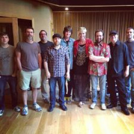 Inspelning av Just Do It albumet 2014 i Addicition Sounds Studio i Nashville. Musiker i bild: Scott Baggett, Tim Marks, David Kahmusky, Pat Buchanan, Chad Cromwell, Bobby Wood